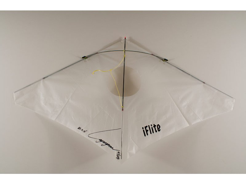 iflite vented indoor kite white kite stop kites